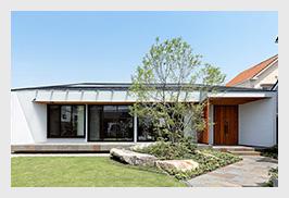 garden house with garage